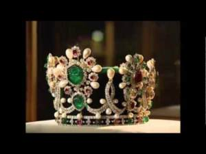 Treasury of National Jewels - King crown